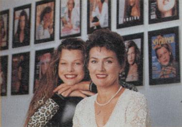 Милла Йовович с мамой
