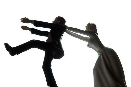 жених убегает от невесты