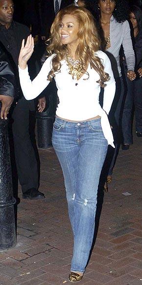 бейонси ноулз в джинсах