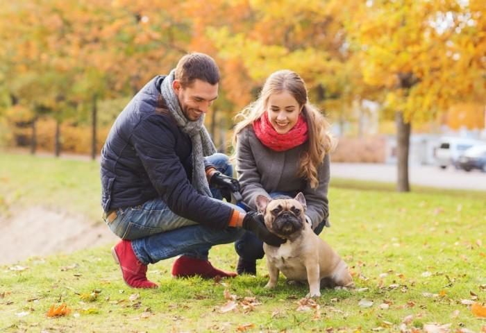 Пара с собакой