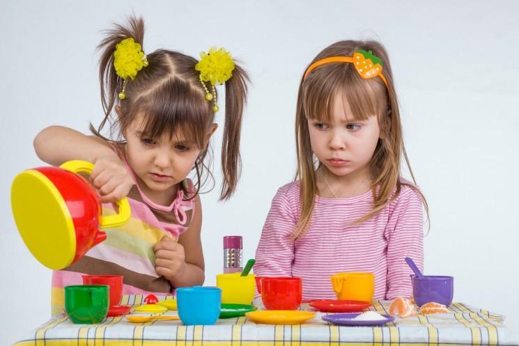 Как вести себя с жадным ребенком?