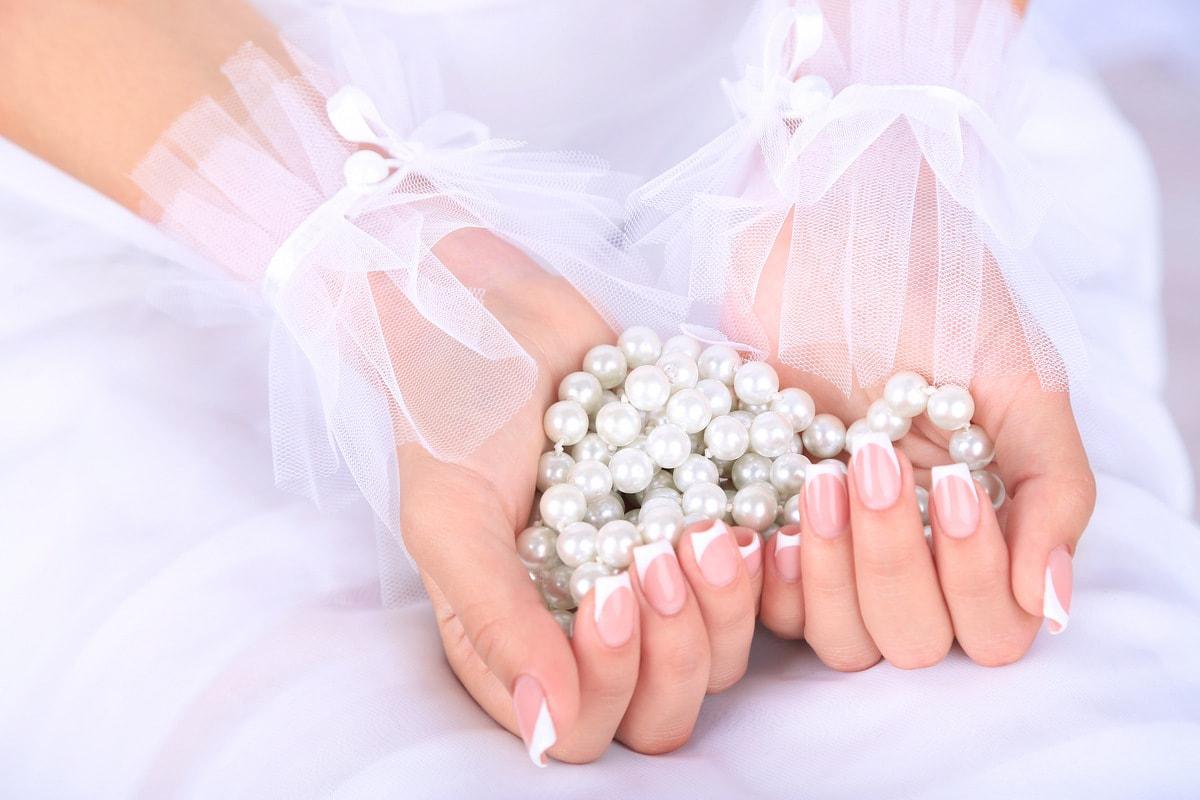 Самый популярный маникюр на свадьбу — классический французский маникюр Как выбрать свадебный маникюр