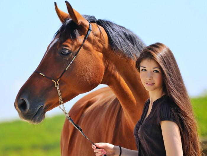 девченка ебца с конюм