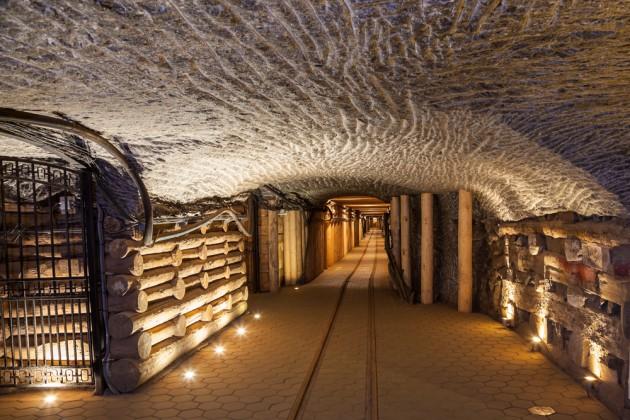 лечебные пещеры в Величке в Польше 2