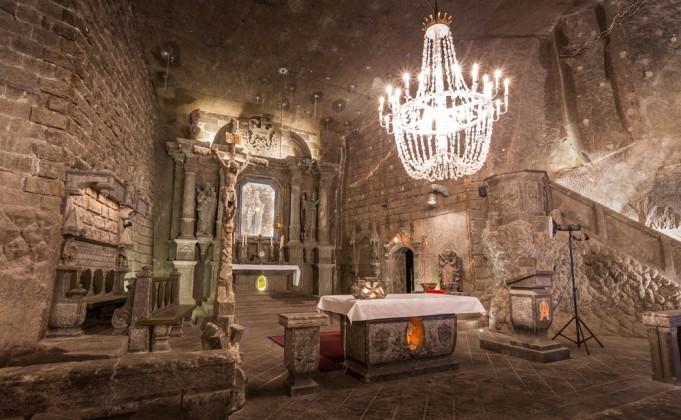 лечебные пещеры в Величке в Польше