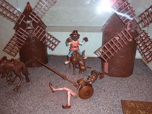 шоколадные фигурки в музее Барселоны