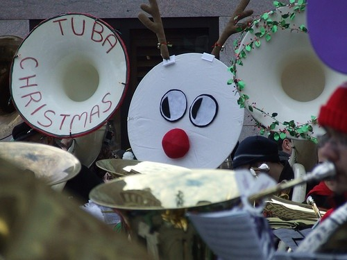 Бостон Christmas Tubas