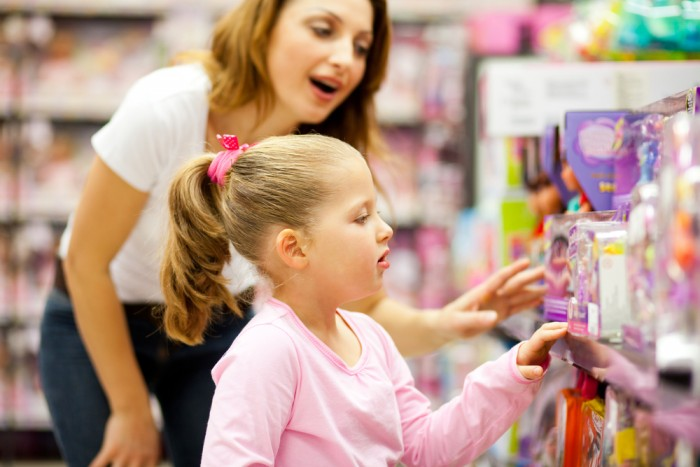 Ребенок в магазине