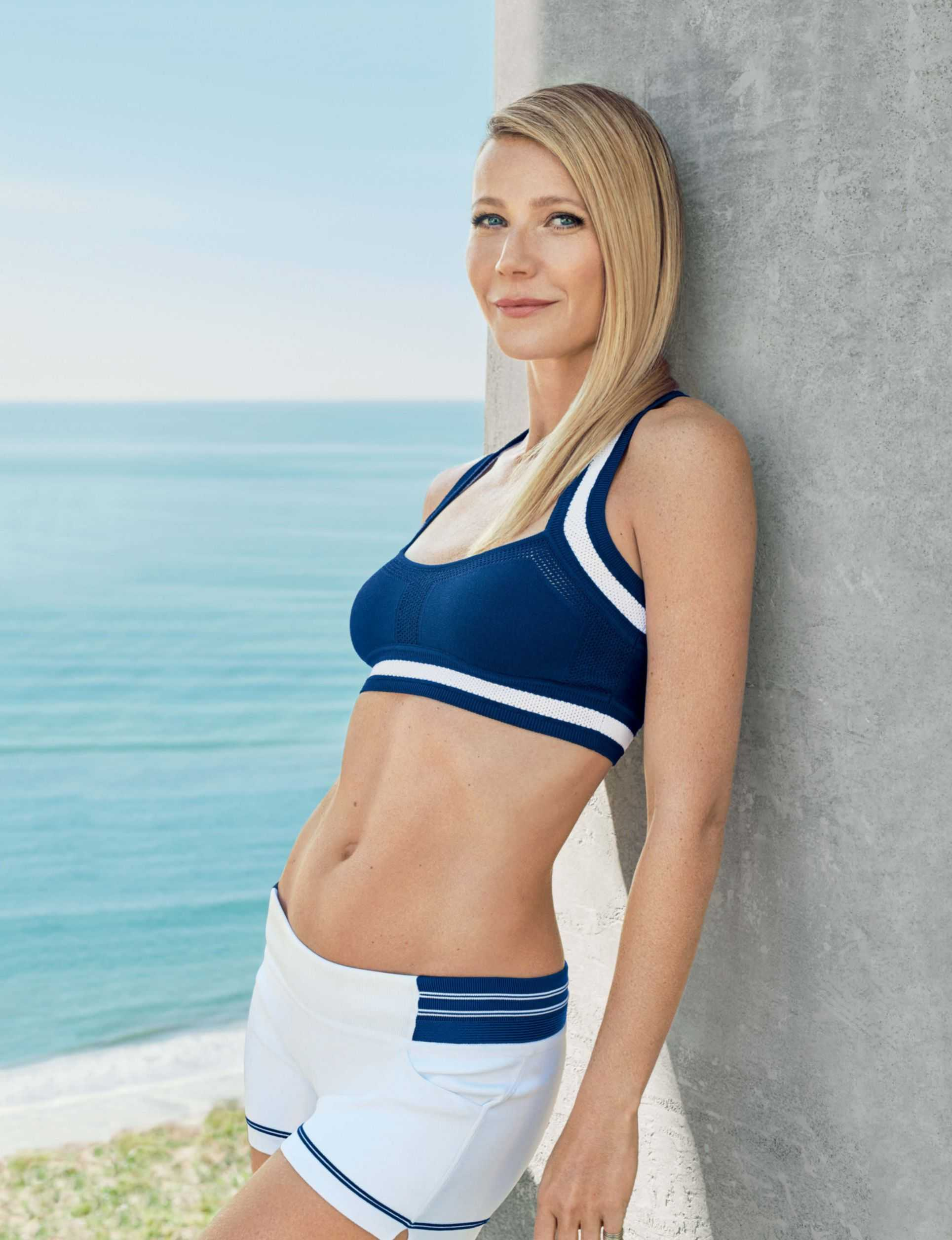 Gwyneth Paltrow yoga