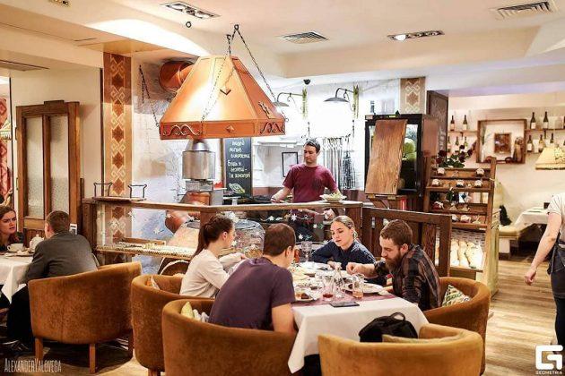 РесторанЧачапури 10 лучших ресторанов в центре Киева 3