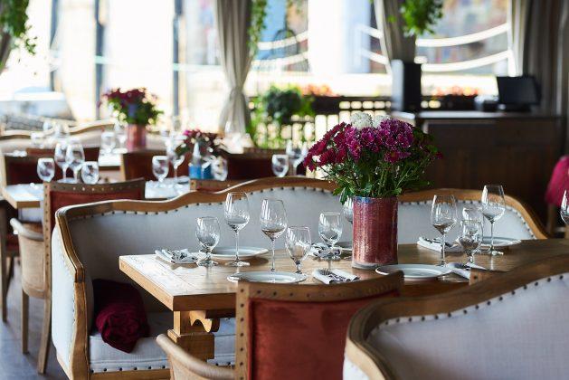 Ресторан Хуторок на Днепре 12 лучших ресторанов в центре Киева 2