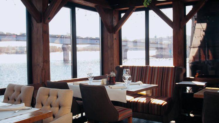 Ресторан Хуторок на Днепре 12 лучших ресторанов в центре Киева 3