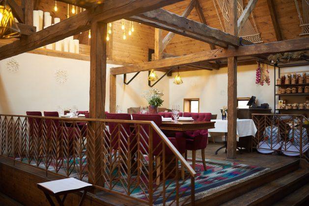 Ресторан Хуторок на Днепре 12 лучших ресторанов в центре Киева 4