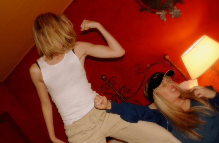 7 способов остановить женскую драку