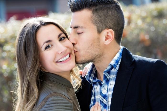 Объятия и поцелуи