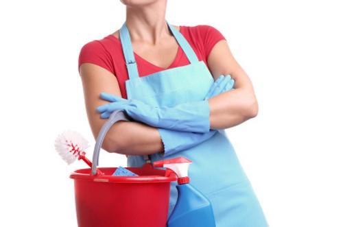 Женщина готова к уборке