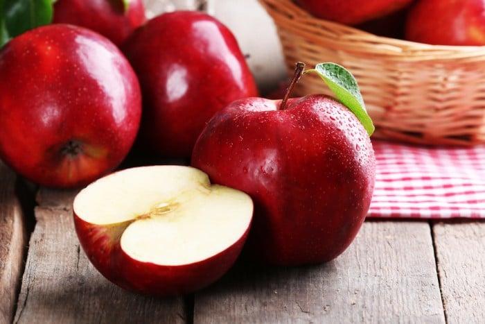 8 худших вариантов ночного перекуса - Яблоки