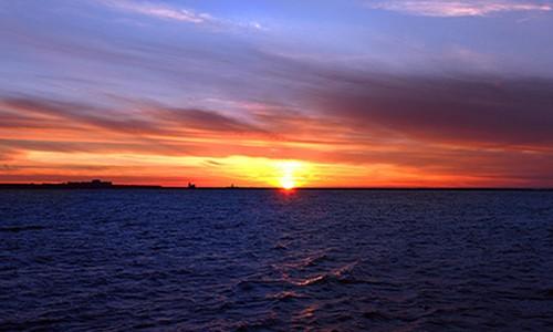 Закат над озером Эри