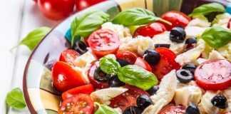 10 рецептов простых салатов из помидоров