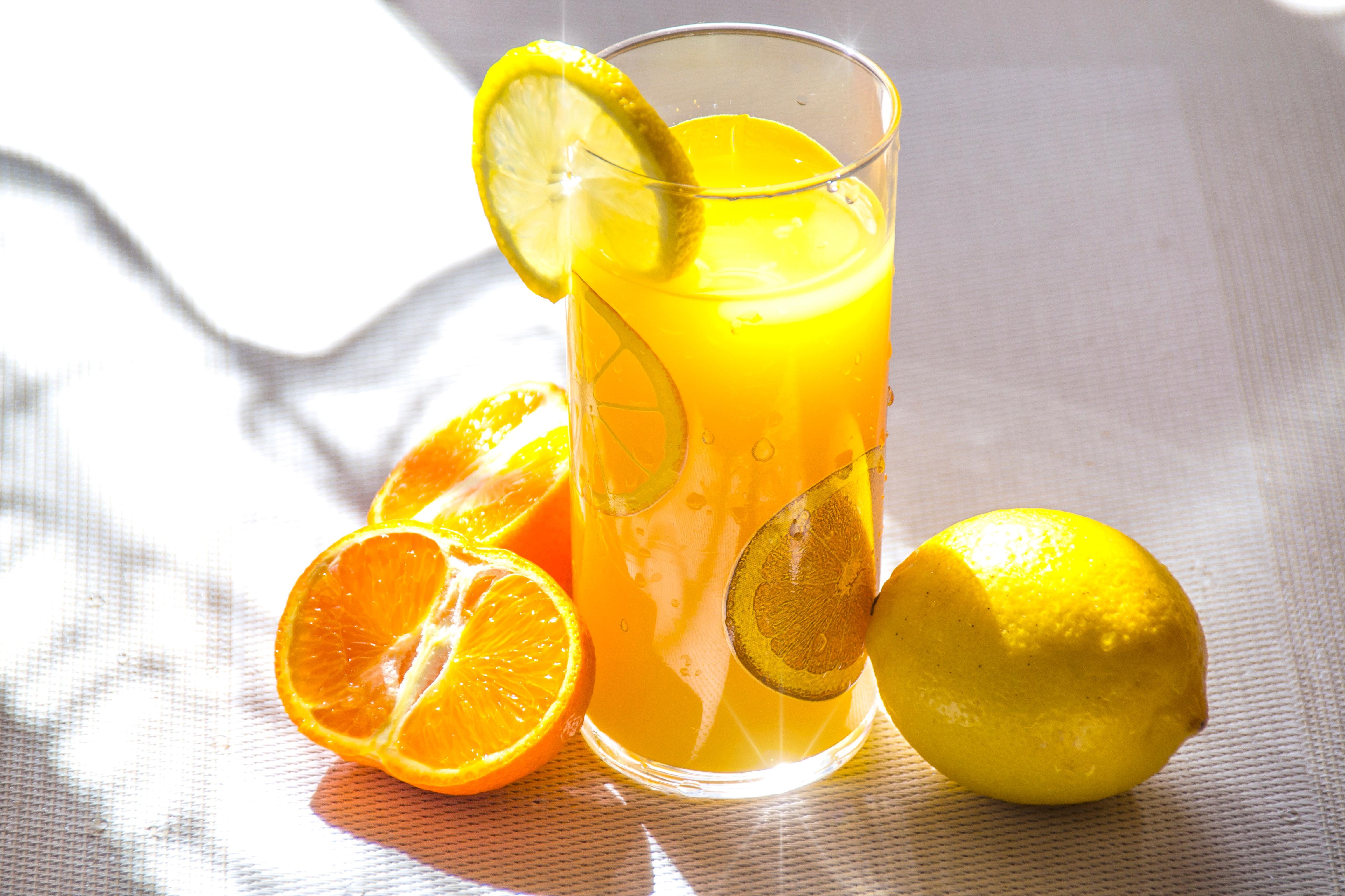 Лимонный, свекольный и томатный соки