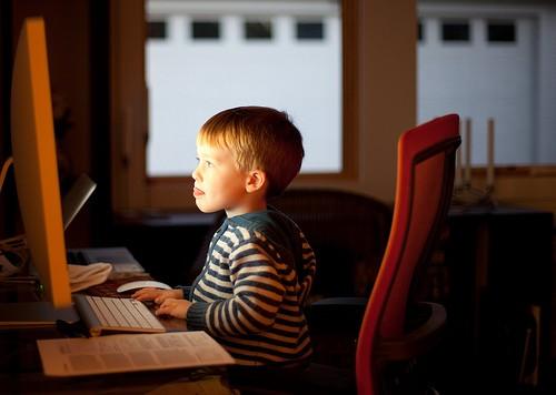 Отвлечь Ребенка от Социальных Сетей