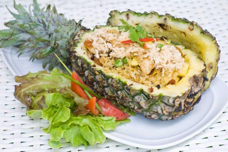 Рецепт салата «Ананас» с курицей