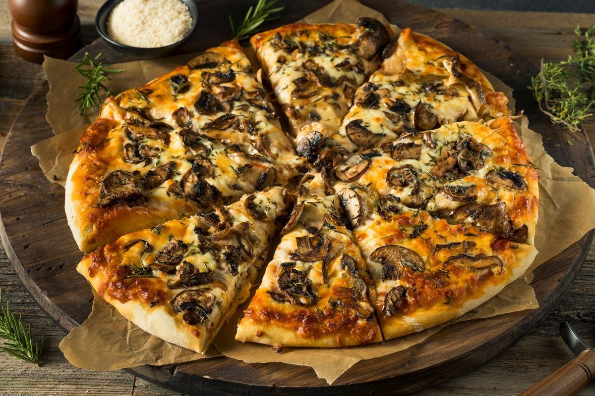 Приготовление Пиццы с Грибами