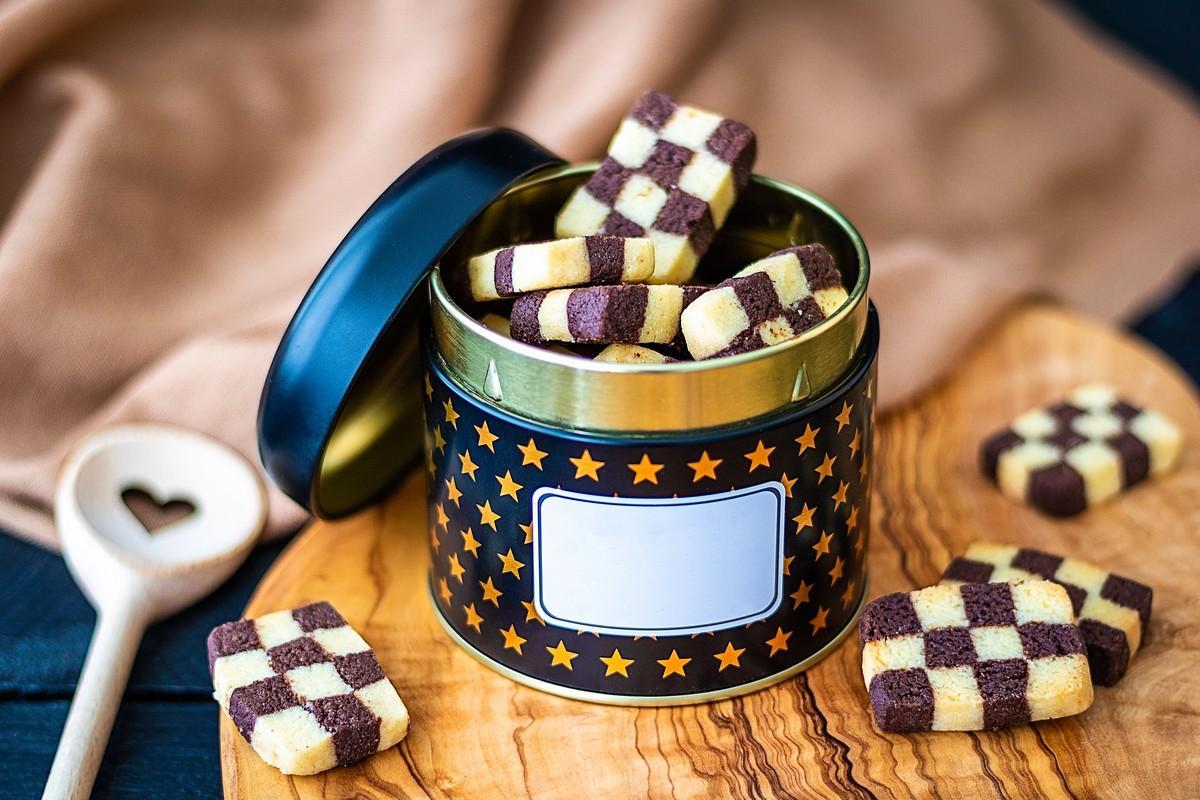 Приготовление печенья шахматное