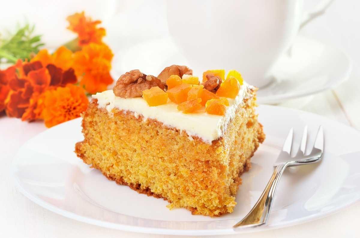 Karotten-Obstkuchen