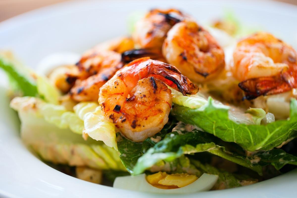 Праздничный салат для любимых женщин