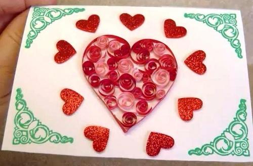 Как сделать открытку на День Святого Валентина по технике квиллинг