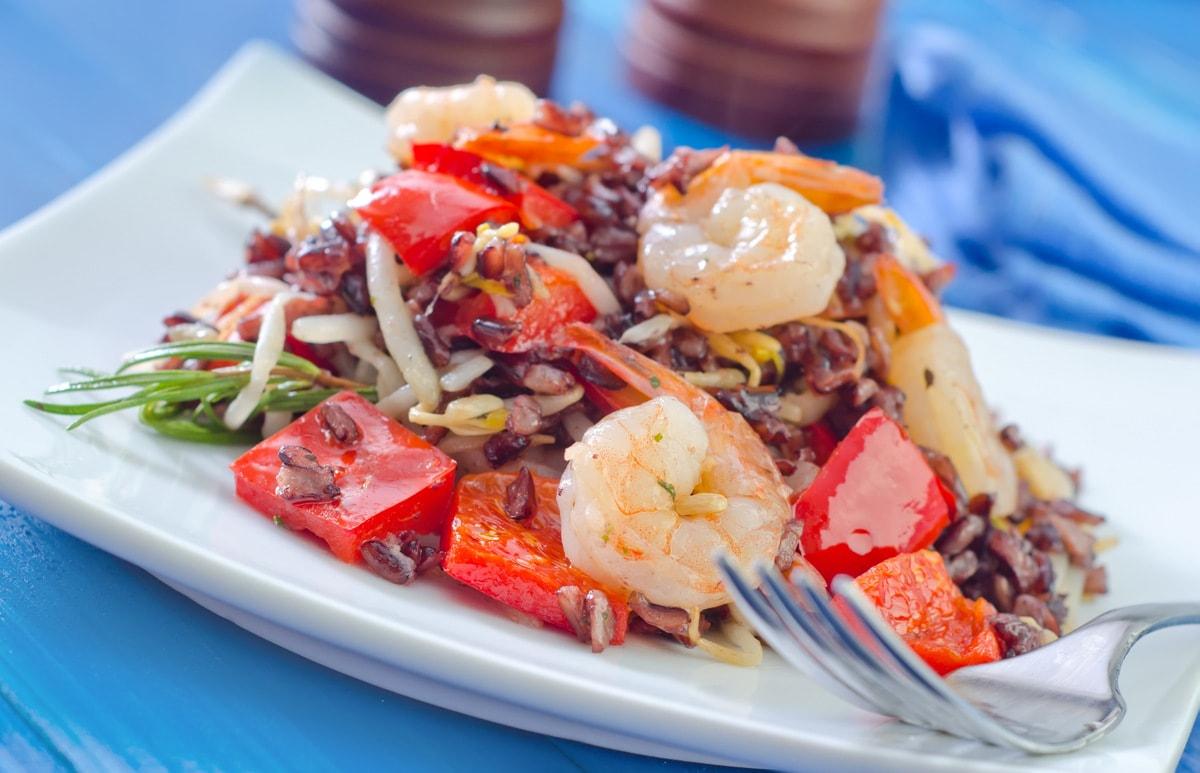 Готовим замечательный салат из морепродуктов 9 рецептов салата из морепродуктов
