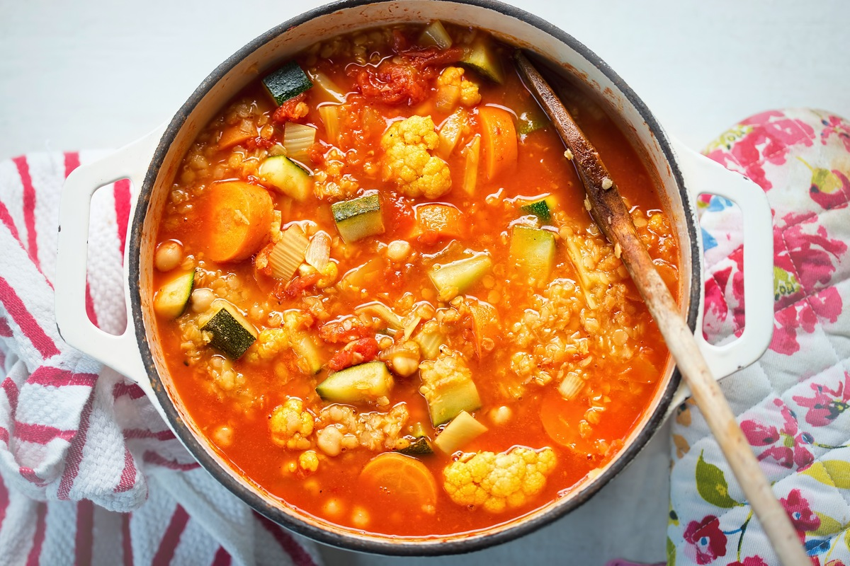 Овощное рагу с цветной капустой на обед или ужин