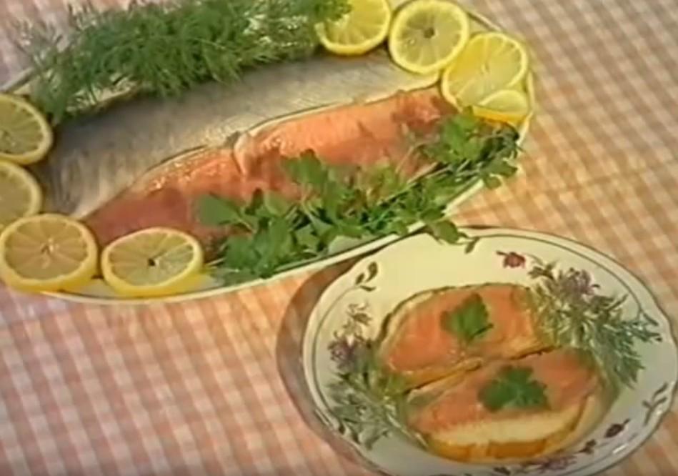 Видео рецепт Горбуша соленая по домашнему
