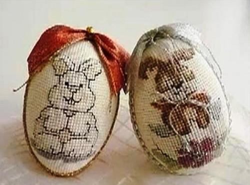 Как можно оригинально украсить яйца к Пасхе