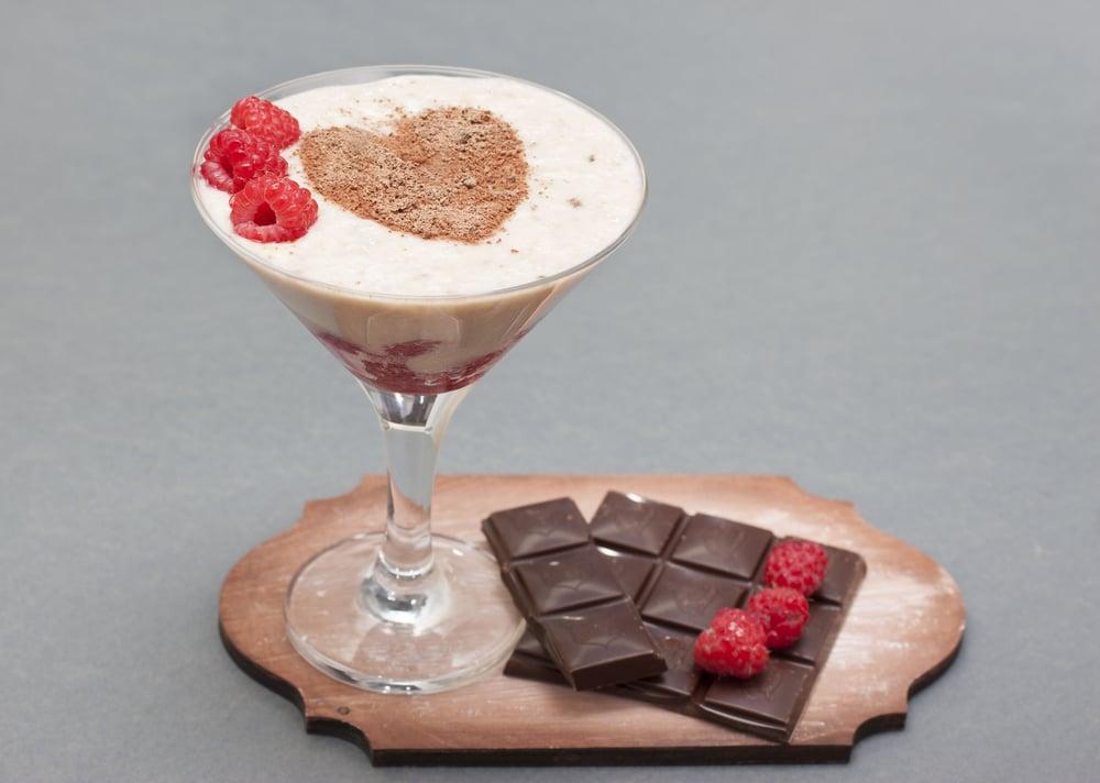 Шоколадный смузи с малиной