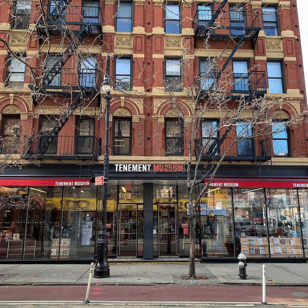 Музей трущоб Нижнего Ист Сайда Нью Йорк - Lower East Side Tenement Museum