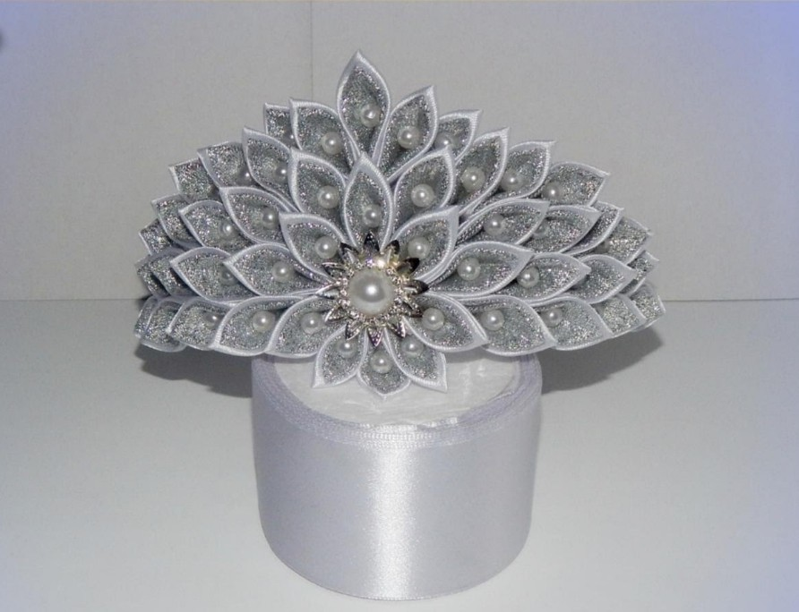 Ободок «Принцесса» из атласных лент по технике канзаши