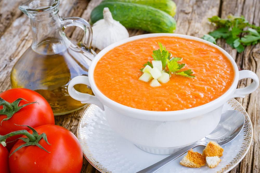 Холодный йогуртовый суп с помидорами