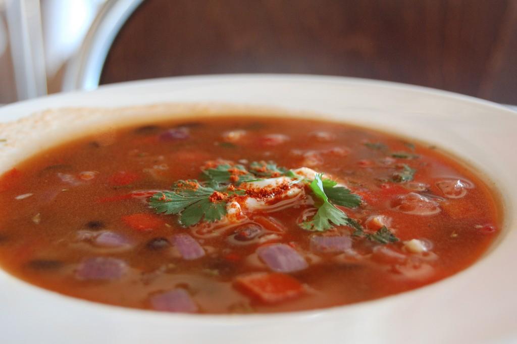 Рецепты фантастически вкусных супов - Фасолевый суп 1