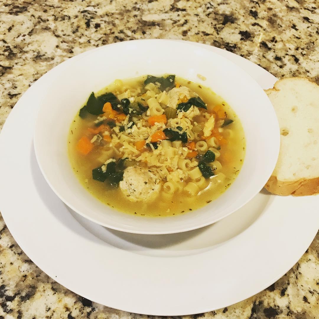 Рецепты фантастически вкусных супов - Итальянский свадебный суп