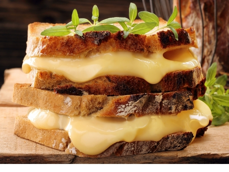 Жареный суперсырный бутерброд