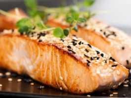 4 способа приготовления лосося Лосось с травами и чесночным соусом