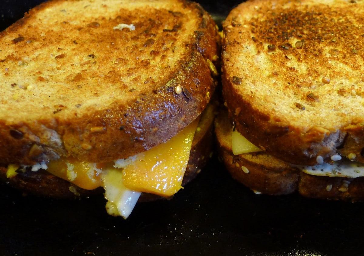 5 самых вкусных рецептов бутербродов Жареный бутерброд с сыром