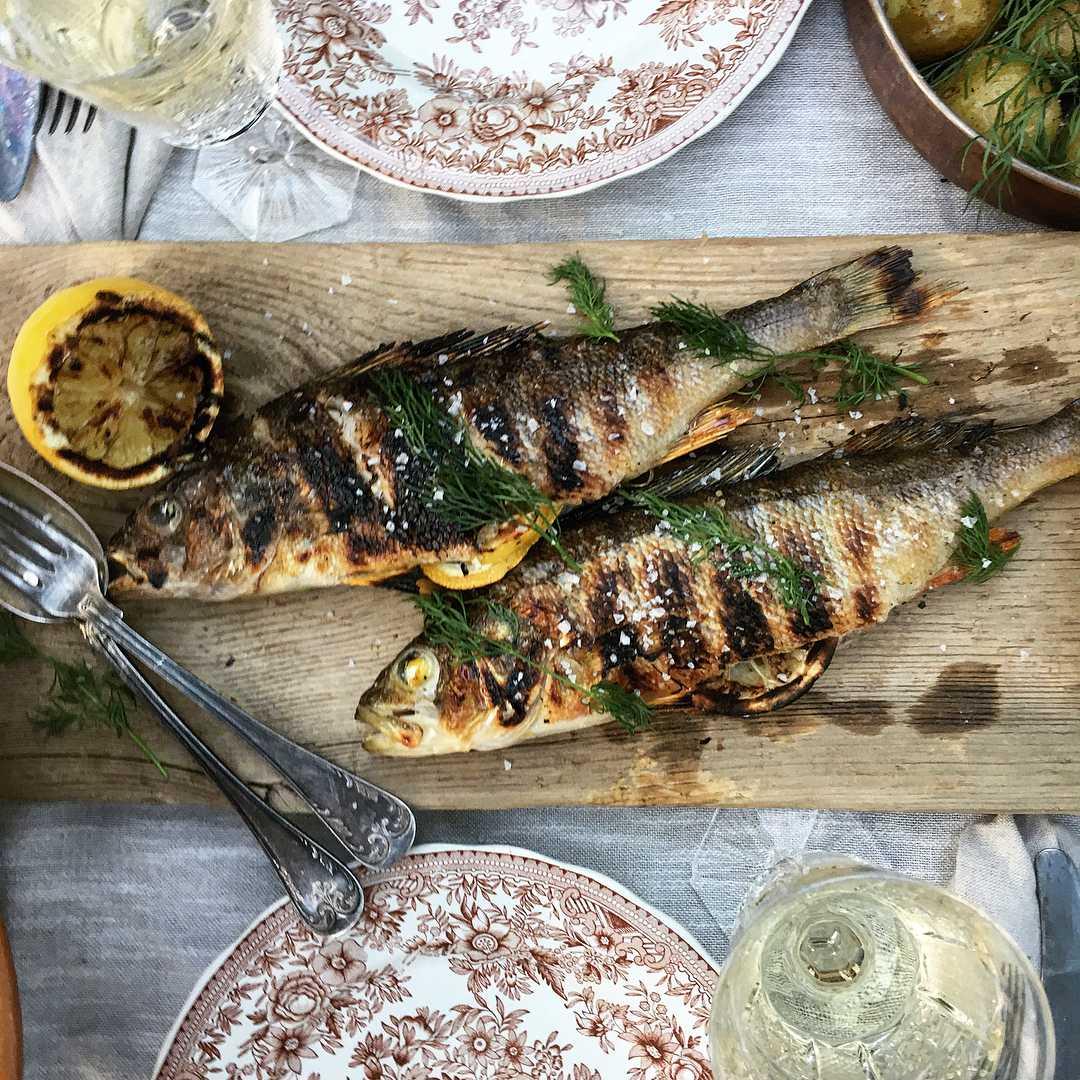 Рецепт приготовления рыбы Окунь на гриле