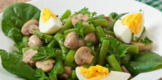 Салат с грибами, спаржей и яйцами