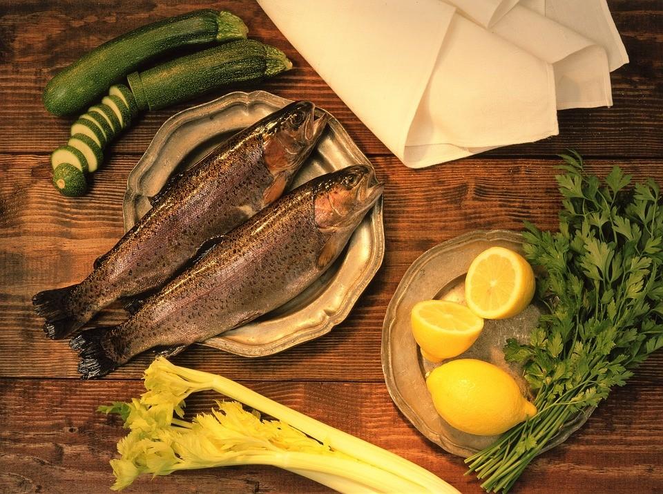7 простых рецептов для приготовления рыбы - Форель в сухарях