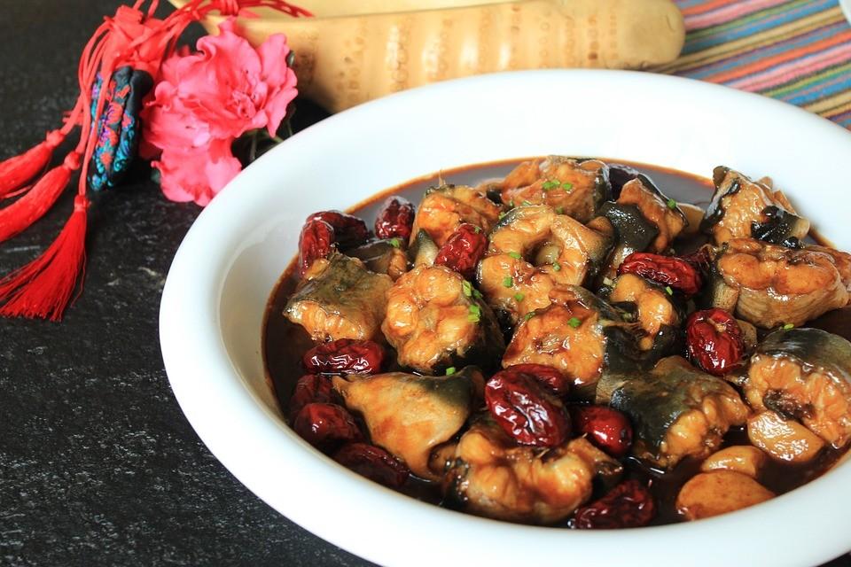 7 простых рецептов для приготовления рыбы - Жаркое из карпа или сома