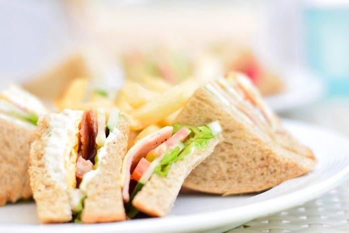 Быстрые и несложные блюда для чудесного ужина Бутерброд с курицей