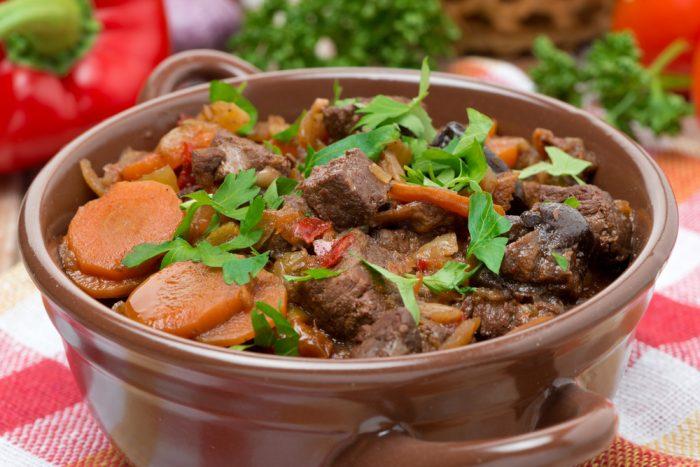 Рагу из говядины с морковкой